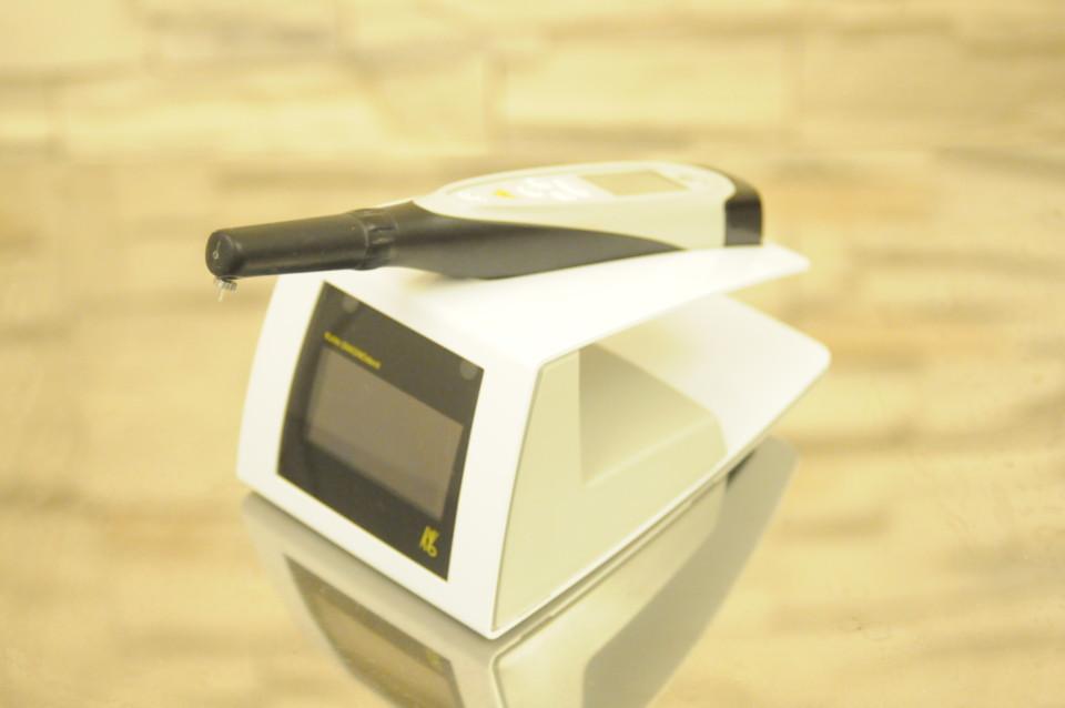 レーザー光線を用いた虫歯診断器